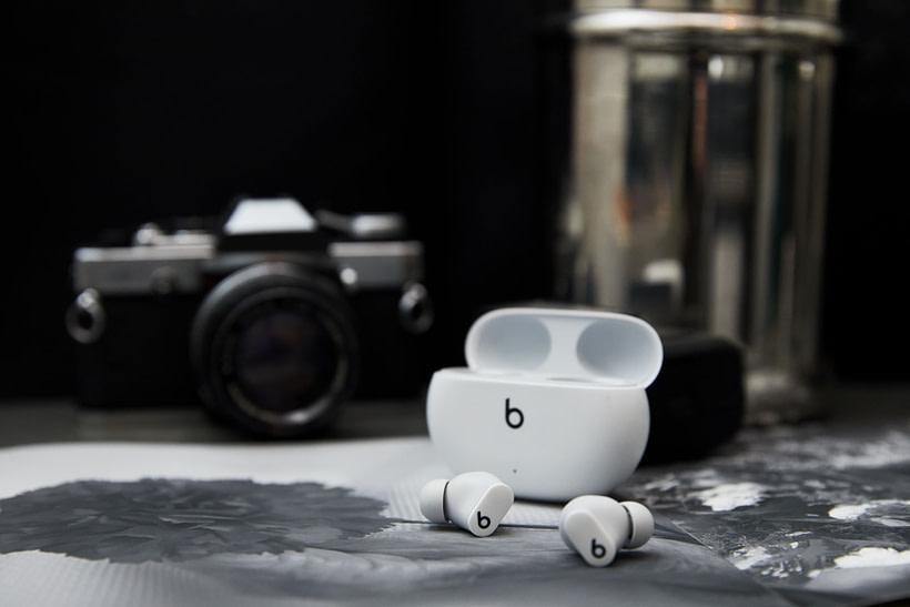 Beats Studio Buds White